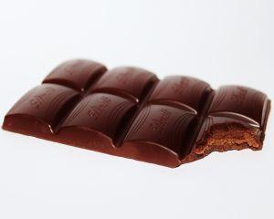 Ciocolata neagra si avantajele pentru sanatatea noastra