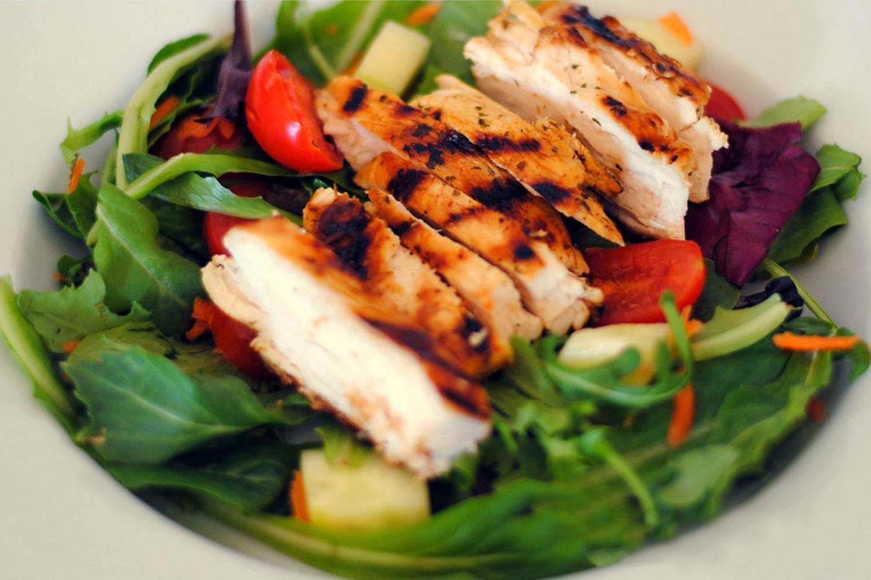 Carnea de pui. 3 moduri dietetice si gustoase de a o gati