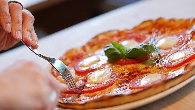 Cum sa faci un blat pufos pentru pizza fara drojdie
