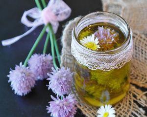 5 uleiuri naturale pentru ingrijirea parului uscat si deteriorat