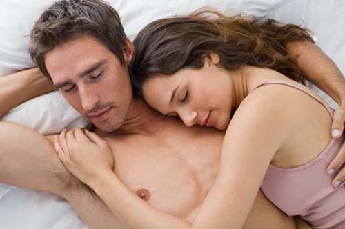 Cum mentineti dragostea mai mult timp? Incercati sa dormiti mai mult