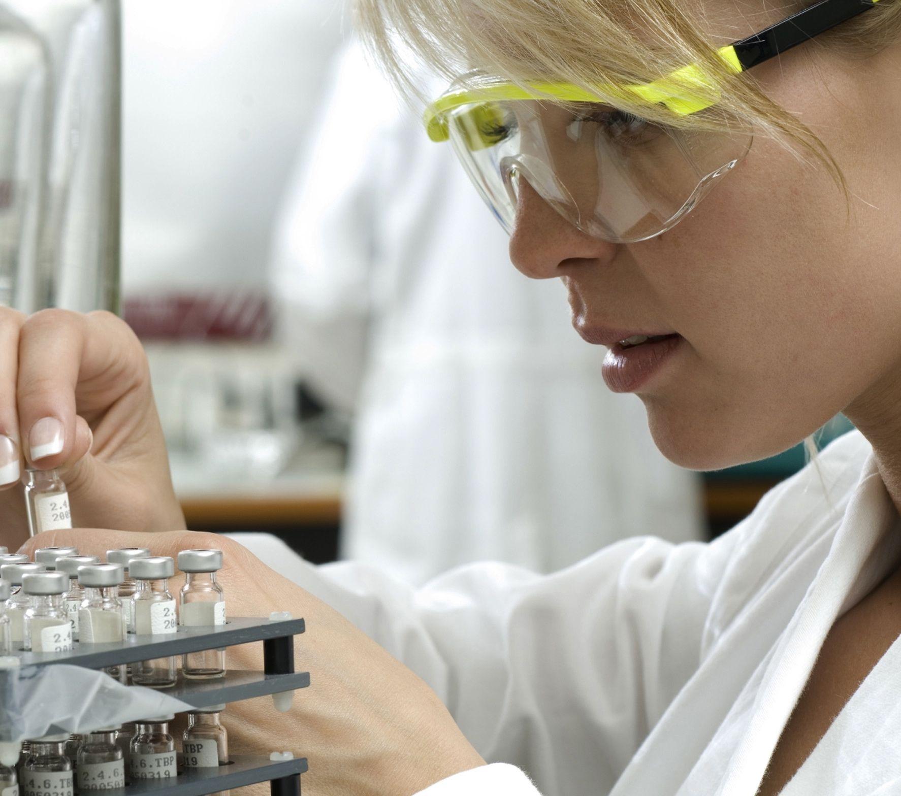 9 substante chimice pe care le folosim zilnic, legate de aparitia cancerului de san
