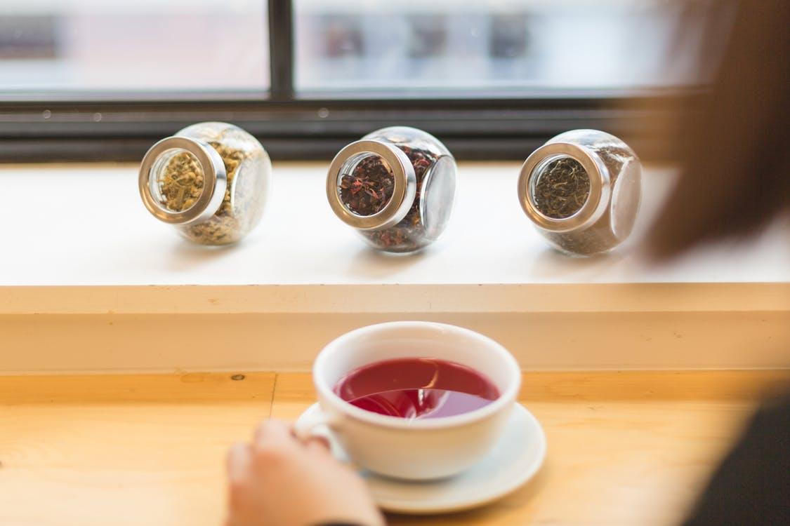 3 ceaiuri la moda benefice pentru sanatatea ta