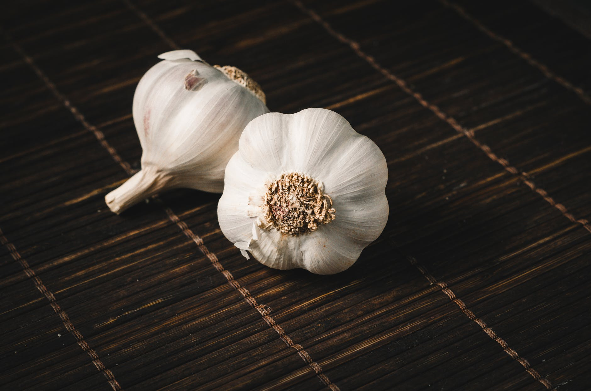 Cate calorii contine usturoiul