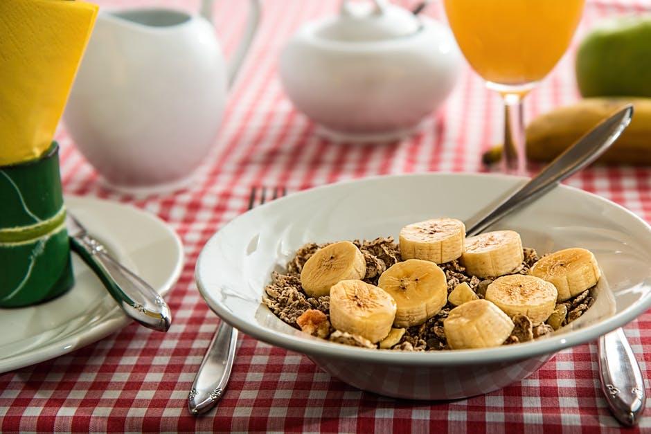 Mic dejun sanatos pentru slabit: singura reteta cu efecte rapide