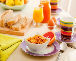 Renunti la micul dejun? Risti sa te ingrasi 13 kg intr-un an!