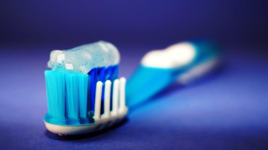 Cum il inveti pe cel mic ca este important sa se spele pe dinti