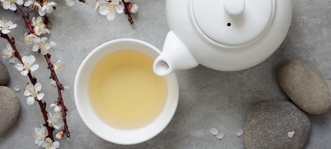 5 motive pentru a consuma ceai alb