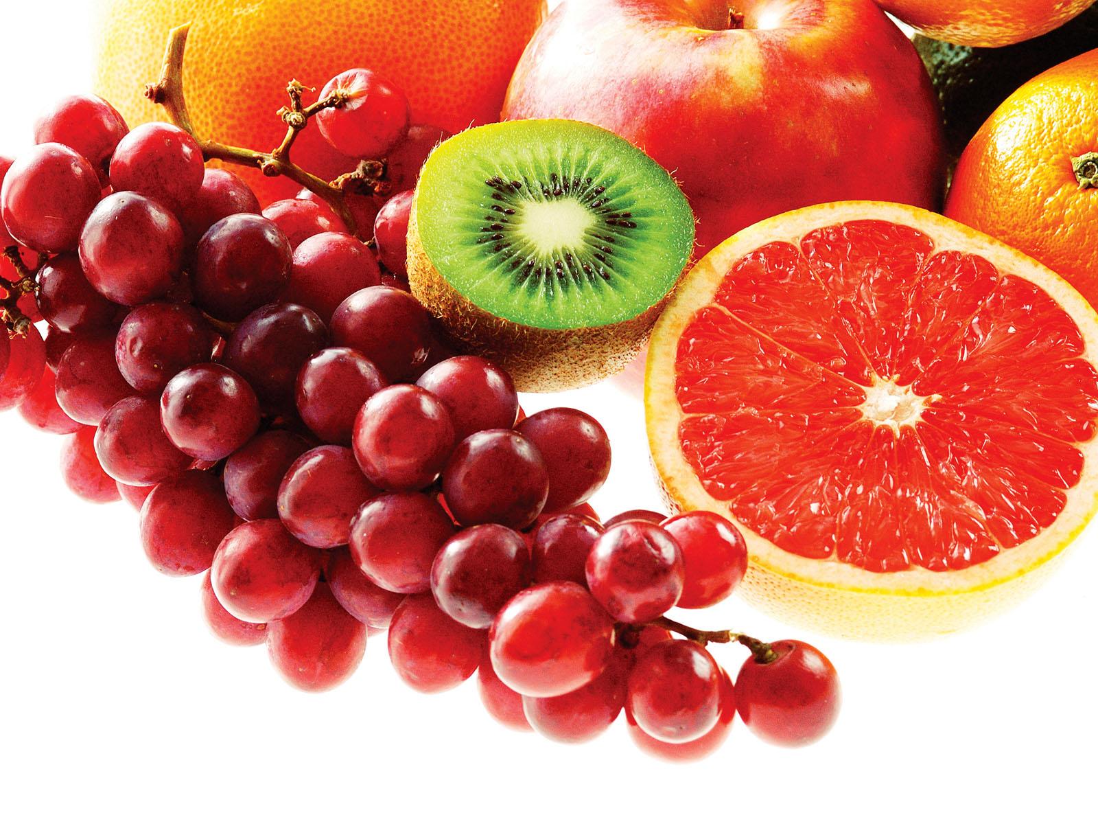 Mancam fructe inainte sau dupa masa? Reguli pe care trebuie sa le stii