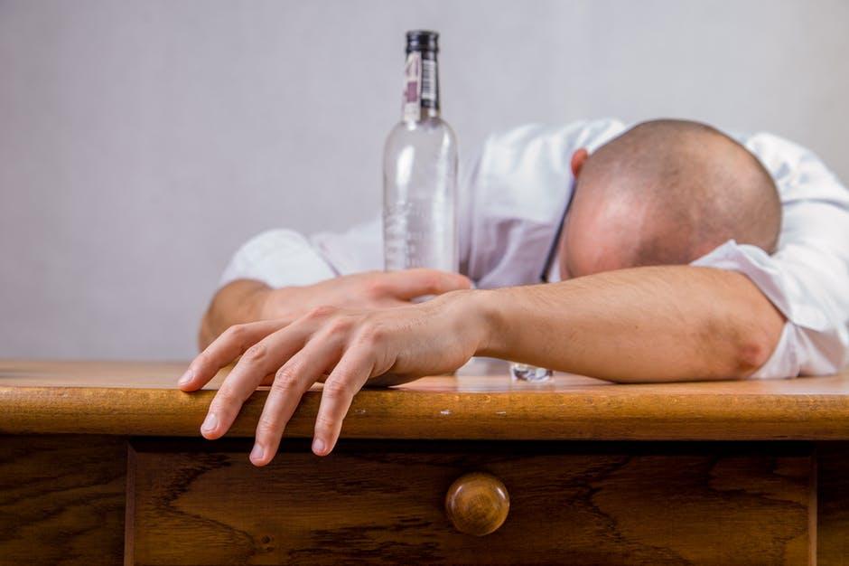 Cum afecteaza organismul consumul de alcool