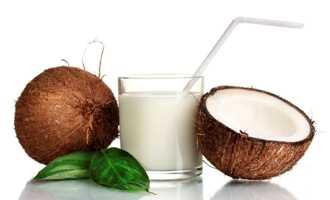 10 beneficii uimitoare pentru sanatate ale laptelui de cocos