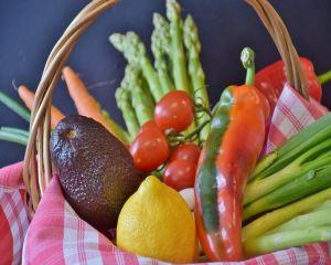 Dieta anti-cancer: ce alimente lupta impotriva bolii