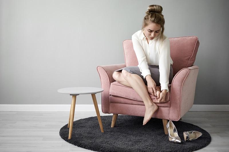 Cum te poate afecta alegerea unor pantofi de dama incomozi? Afla consecintele!