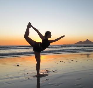 Stres si oboseala? Yoga te ajuta sa te concentrezi si sa gasesti echilibrul!