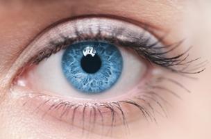 3 alimente care iti protejeaza ochii