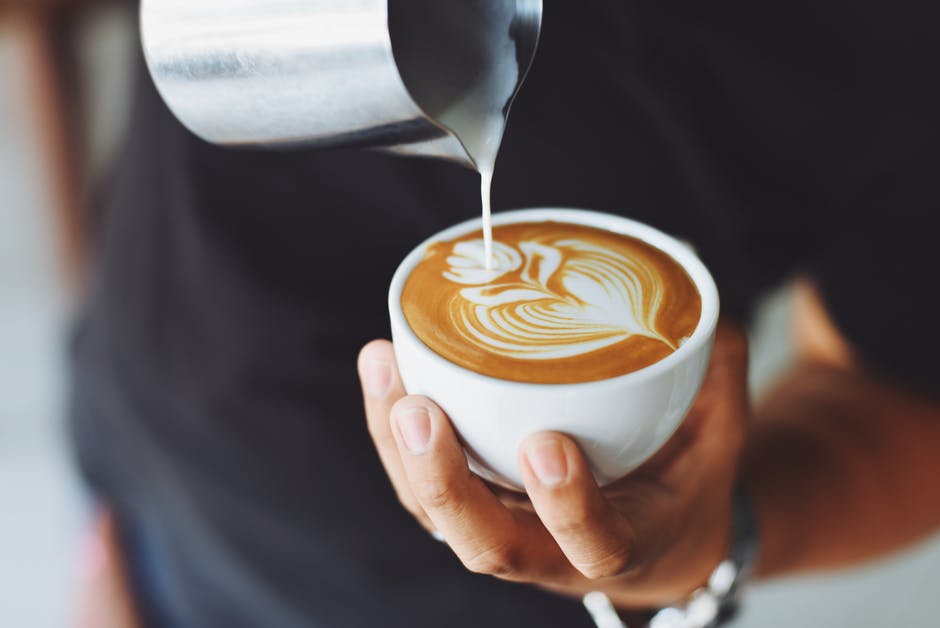 10 motive ca sa bei o cafea in fiecare zi