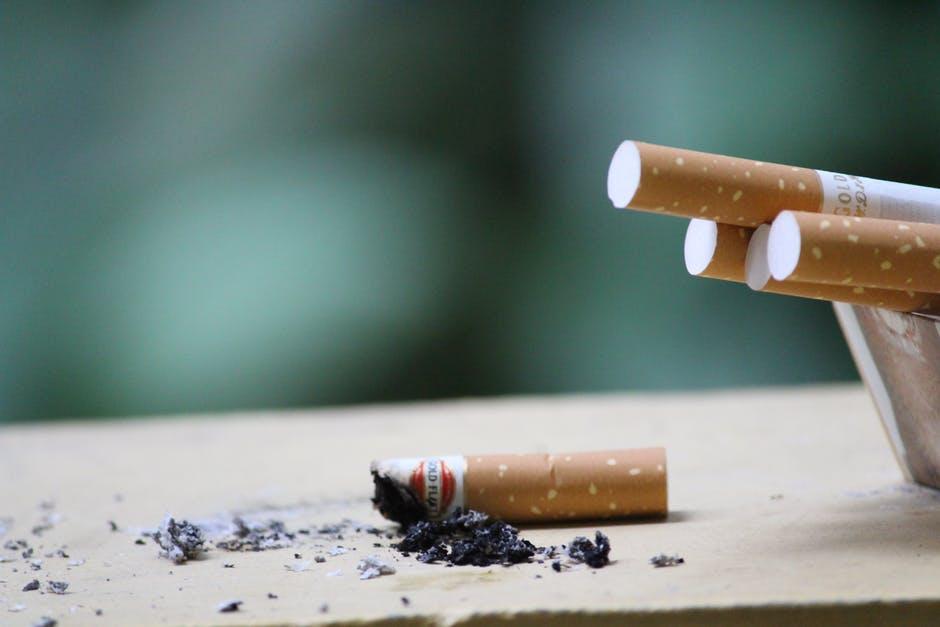 Pentru fumatori, bautura care curata plamanii