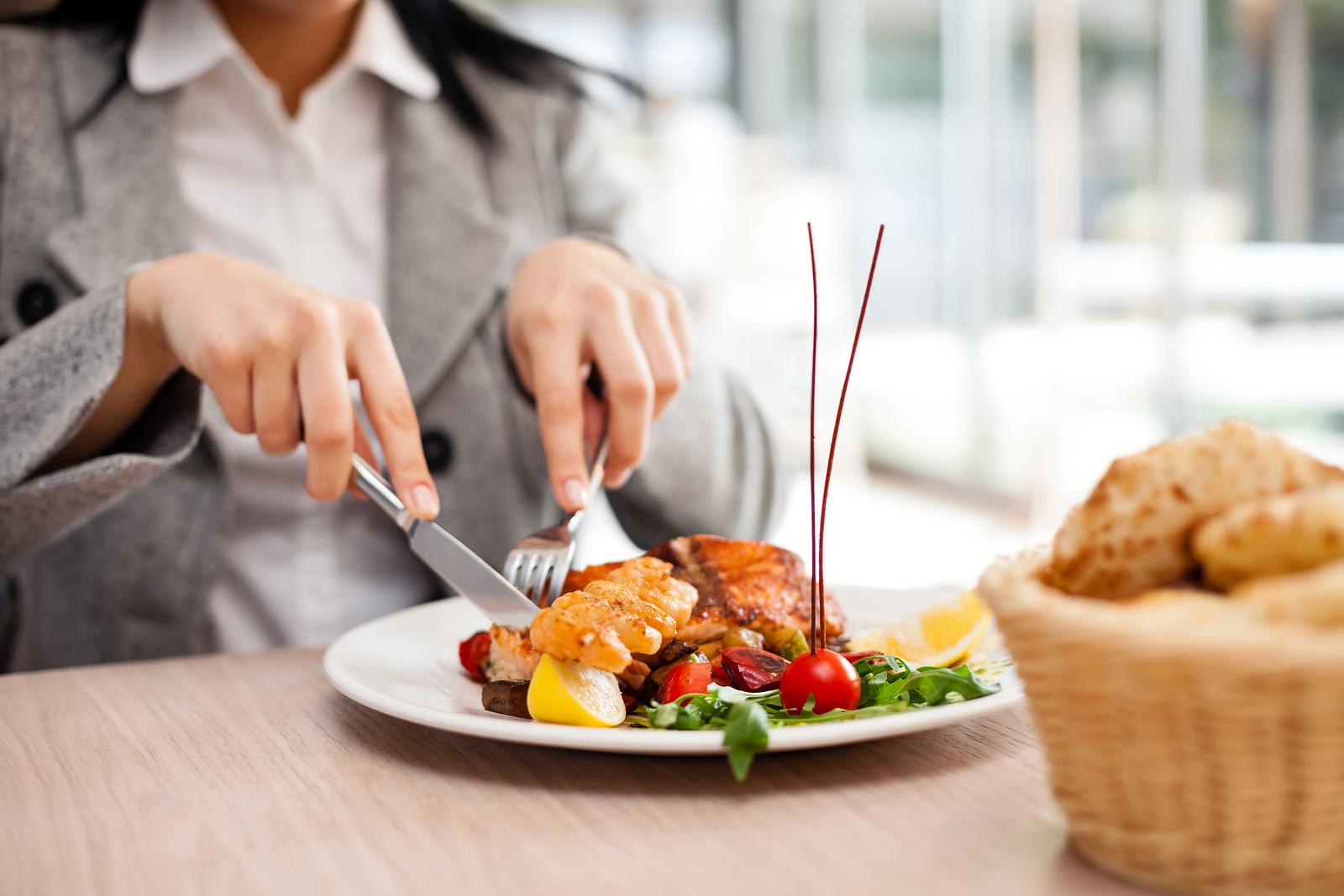 Cum sa mananci sanatos la restaurant