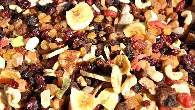 Este sanatos consumul de fructe uscate?