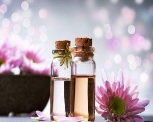 Top 8 uleiuri esentiale si vegetale pentru sanatatea si frumusetea ta