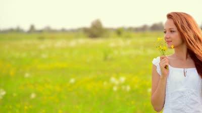 3 modalitati incredibil de usoare pentru a mirosi bine pe tot parcursul zilei