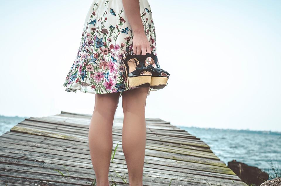 Ai picioarele umflate? Iata 7 motive vinovate de aceasta problema!
