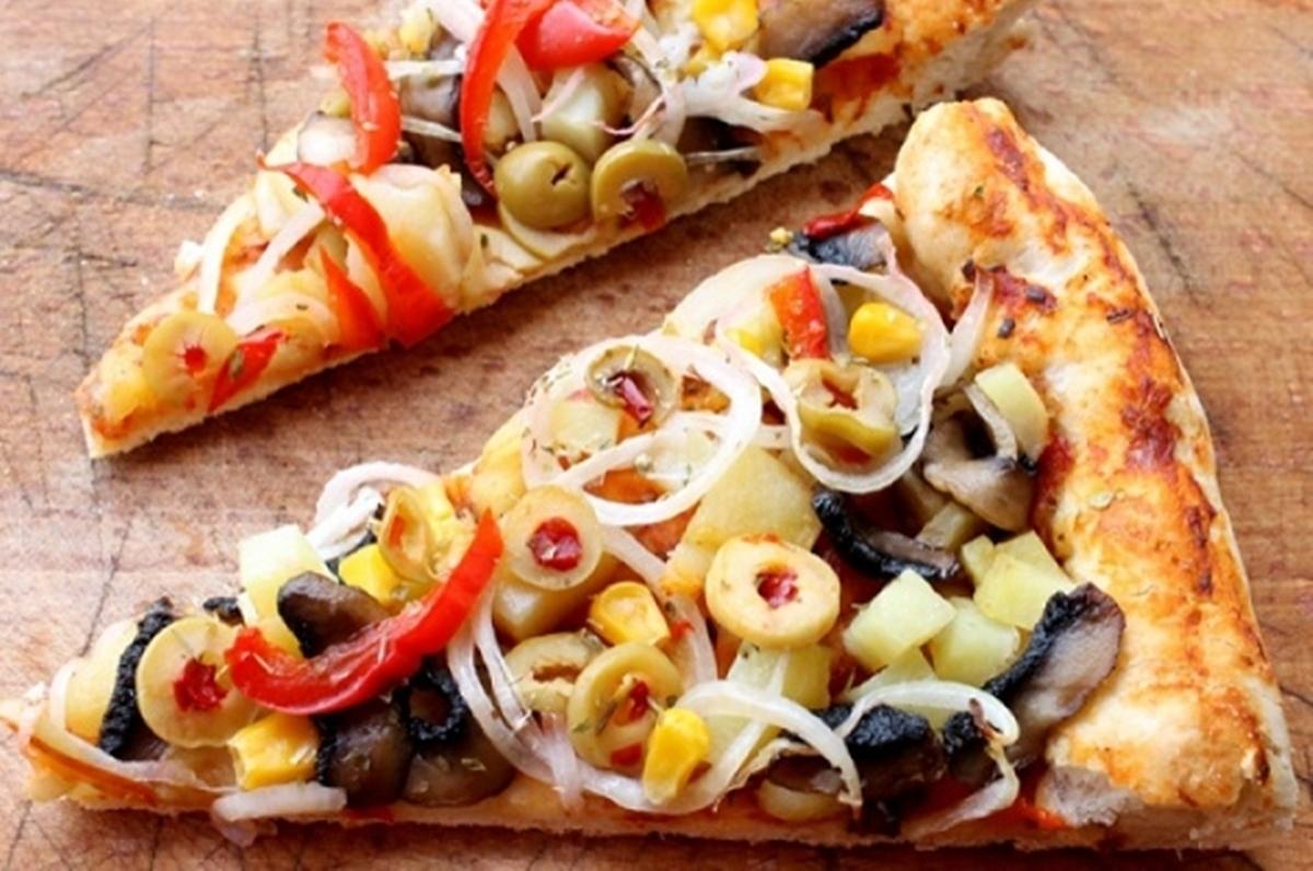 Pizza de post cu multe legume. Reteta savuroasa