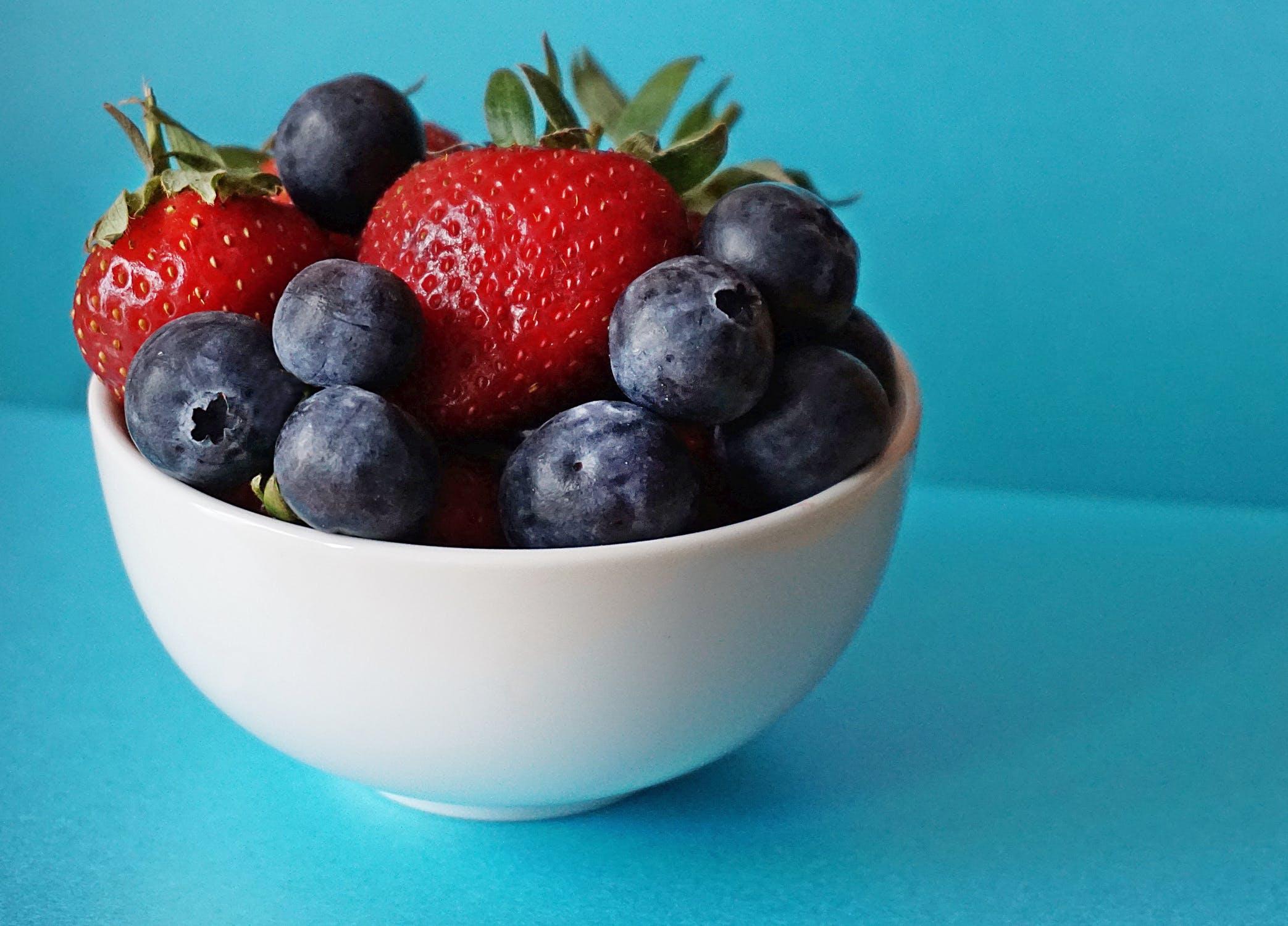 Reteta: Salata de fructe de padure