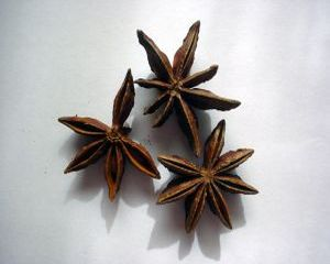 Ceaiul de anason, remediu naturist pentru dureri abdominale