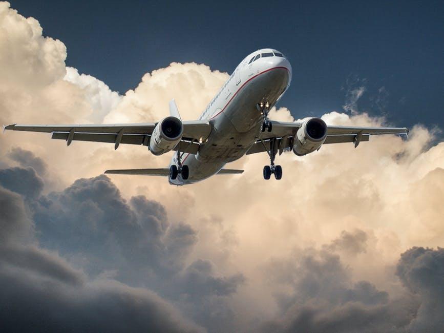 Alimente de evitat inainte de zborul cu avionul