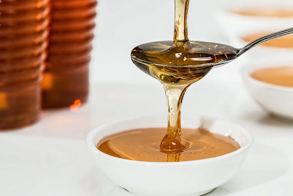 Cele mai bune masti cu miere pentru frumusetea ta