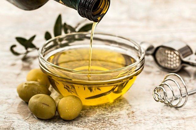 3 tratamente corporale cu ulei de masline