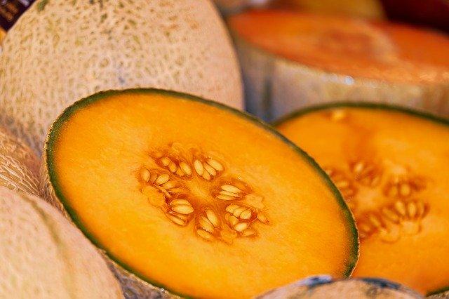Semne prin care recunosti ca pepenele galben este copt si dulce