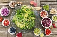3 salate simple pentru vara