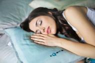 Trei sfaturi eficiente pentru un somn bun in perioadele de canicula