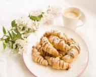 Croissantul din comert: ce substante daunatoare contine