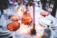 Semne care iti arata ca a devenit o problema consumul de alcool