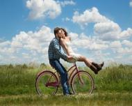 5 motive pentru care esti singur de Dragobete. Sfaturile psihologului