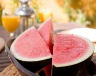 Topul fructelor care te hidrateaza pe canicula