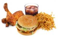Alimentele junk food sunt echivalentul \