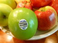 Cum sa interpretezi etichetele de pe fructe. La ce sa trebuie sa fii atenta