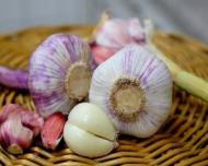 Usturoiul, cel mai bun remediu natural impotriva caderii parului