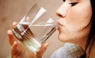 Cat de important este sa bei multa apa
