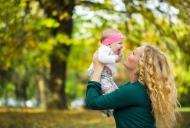 Protectie solara pentru bebelusi. Cum iti protejezi copilul de efectele nocive ale soarelui