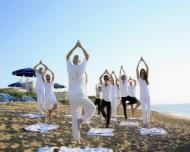 6 exercitii de yoga care te ajuta sa slabesti